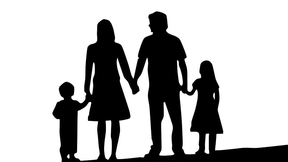 Στήριξη της οικογένειας: Οικογενειακό επίδομα, παιδικοί σταθμοί, φοιτητικό επίδομα, επίδομα παιδιού, άδειες