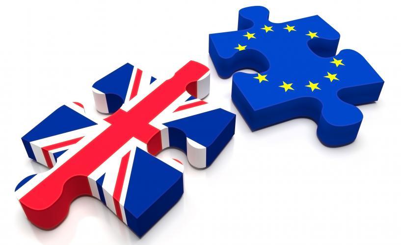 Στο YouGov τα πρώτα αποτελέσματα για το brexit