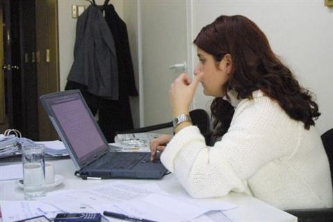 Επίδομα μητρότητας και στις αυτοαπασχολούμενες εργαζόμενες γυναίκες