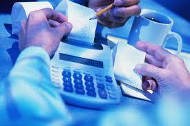 Οι φοροανατροπές για ελεύθερους επαγγελματίες και επιχειρήσεις με το νέο νόμο