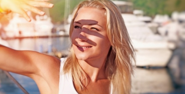 Ποιες ώρες της ημέρας απειλεί τα μάτια μας ο ήλιος;