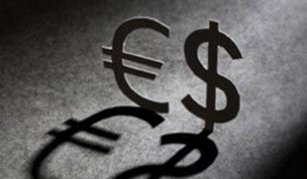 Ανακάμπτει σημαντικά το ευρώ έναντι του δολαρίου