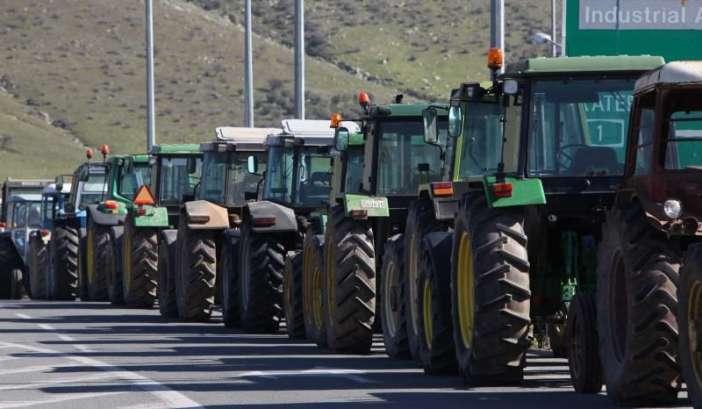 Αγροτικά μπλόκα από τον Έβρο μέχρι την Κρήτη από την Δευτέρα 23 Γενάρη