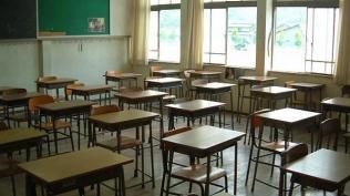 ΕΛΜΕ Πειραιά για την ακύρωση θερινής άδειας εκπαιδευτικών χωρίς αποζημίωση