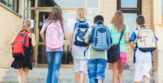 Ανοίγουν για τα παιδιά της Αθήνας οι πρώτες δώδεκα σύγχρονες και ασφαλείς παιδικές χαρές