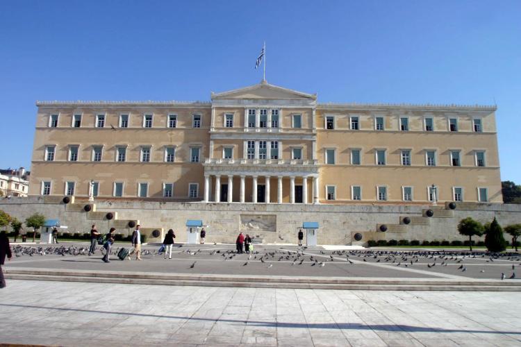 διαμαρτύρεται για τις αποφάσεις του Υπουργείου Παιδείας σχετικά με το Τεχνολογικό Εκπαιδευτικό Ίδρυμα Δυτικής Ελλάδας στον Πύργο, οι οποίες όπως υποστηρίζει υποβαθμίζουν και απαξιώνουν τα τμήματά του και αιτείται τη συνέχιση του Τμήματος Πληροφορικής και Μέσων Μαζικής Ενημέρωσης, την άρση της μεταβατικότητάς του, καθώς και την εφαρμογή του αρχικού σχεδιασμού για την ενσωμάτωση του Τμήματος Τουριστικών Επιχειρήσεων στο τμήμα του Πύργου με την πλήρη και αναβαθμισμένη λειτουργία του.