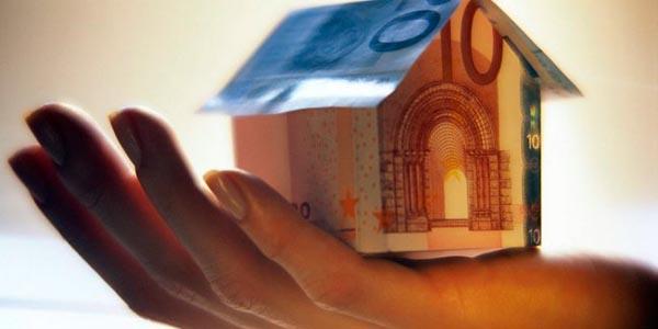 Σπίτια βγαίνουν στο σφυρί για 500 ευρώ - Αγωνία για εκατοντάδες πολίτες