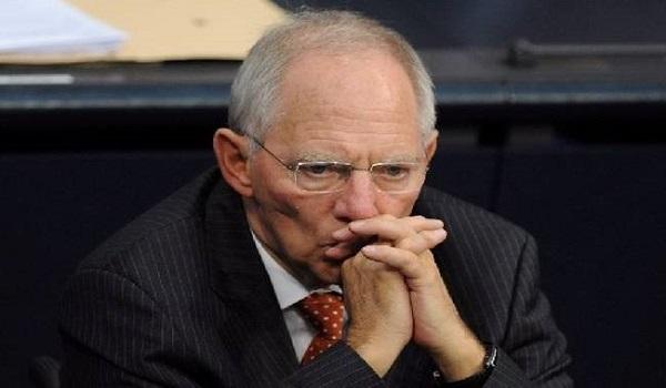 Σόιμπλε: Η Ελλάδα θα αποφασίσει αν θέλει να μείνει στο ευρώ