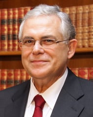 Λουκάς Παπαδήμος – Τρομοκρατική επίθεση: ερωτηματικά για τα μέτρα ασφαλείας του πρώην πρωθυπουργού