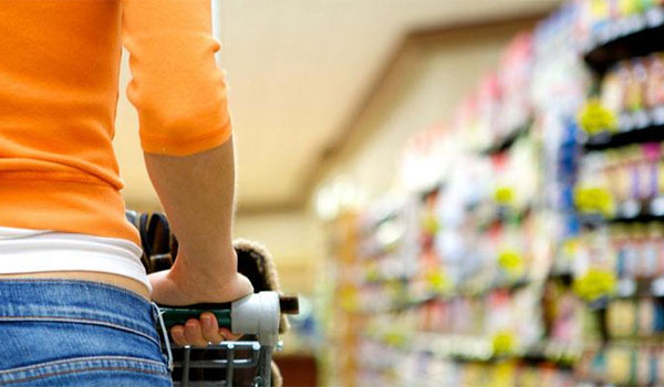Eurostat: Στα ύψη τρόφιμα, τηλεπικοινωνίες και άλλα προϊόντα για τους Έλληνες