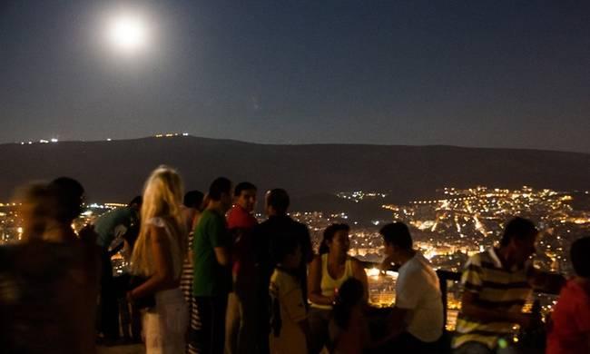 Πανσέληνος Αύγουστος 2017 και μερική έκλειψη σελήνης