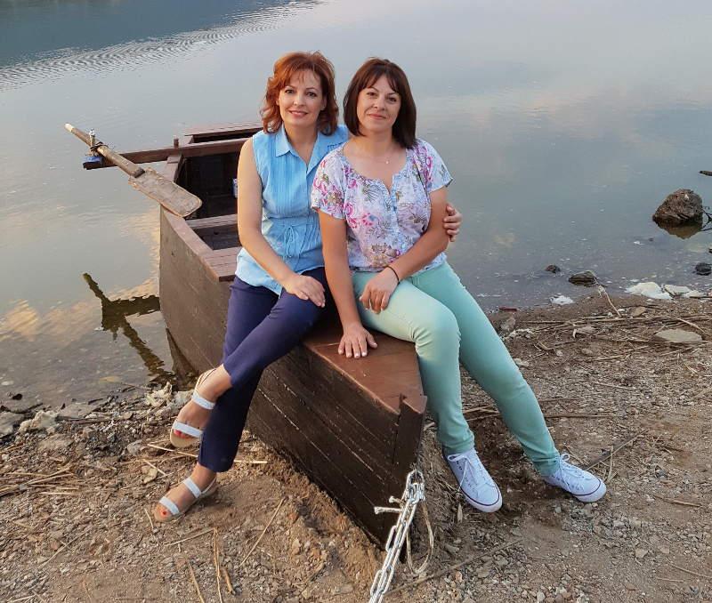 Αδελφές 44 και 41 ετών μπήκαν σε ΤΕΙ και φοιτούν μαζί με τις κόρες τους!
