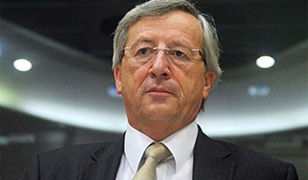 """Ο Γιούνκερ ζητά """"πρόσθετες προσπάθειες"""" από την Ιταλία"""