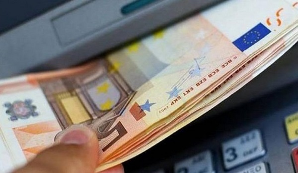 Capital controls: Έρχεται νέο όριο στις αναλήψεις