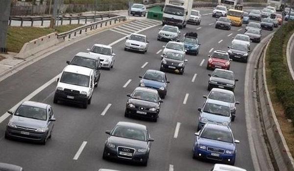 ΚΟΚ: Οι παραβάσεις που αφαιρούν δίπλωμα και άδεια κυκλοφορίας