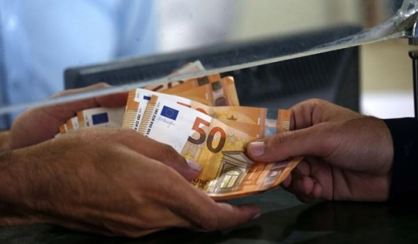 Μόλις στα 12 ευρώ το ΕΚΑΣ το 2019 – Δικαιούχοι και κριτήρια