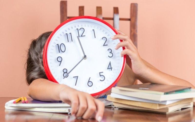 Πώς ο νυχτερινός ύπνος επηρεάζει την απόδοση στη δουλειά σας