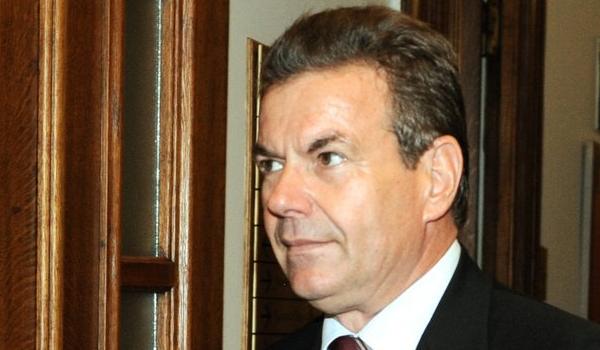 Πετρόπουλος για αναδρομικά: Θα δώσουμε αυτά που μπορούμε και χωρίς δικαστικές αποφάσεις