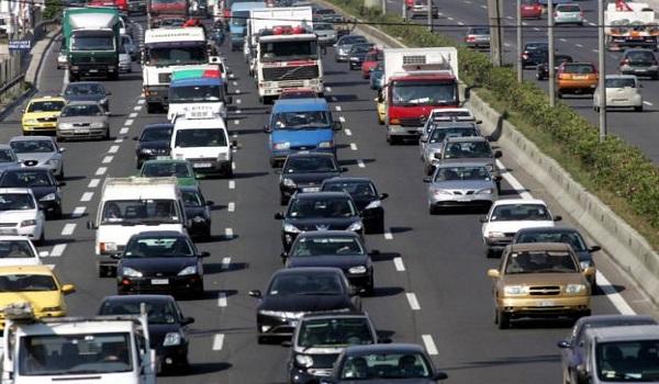 Κορονοϊός - νέα μέτρα: Μέχρι πόσοι μπορούν να επιβαίνουν σε αυτοκίνητα και ταξί
