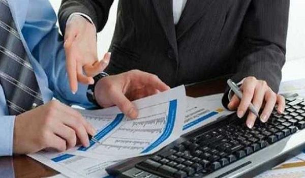 Ποιοί εργαζόμενοι κινδυνεύουν με έξτρα φόρο εισοδήματος