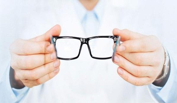 Γυαλιά οράσεως: Τι ισχύει για τα voucher των 100 ευρώ – Δικαιούχοι