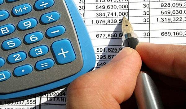 """Επιστροφές φόρων """"εξπρές"""" για συνεπείς επιχειρήσεις και επαγγελματίες"""