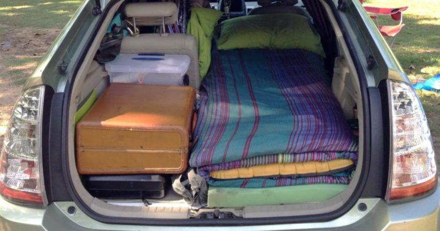 Καθηγήτρια κοιμάται στο αυτοκίνητο της επειδή δεν μπορεί να βρει σπίτι να νοικιάσει