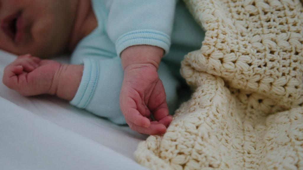 Έρευνα: Από τι κινδυνεύουν τα παιδιά έως πέντε ετών πού έχουν γεννηθεί με καισαρική
