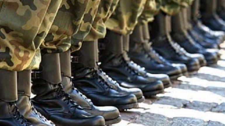 Στρατιωτική θητεία: Αύξηση κατά τρεις μήνες – Ποιούς αφορά
