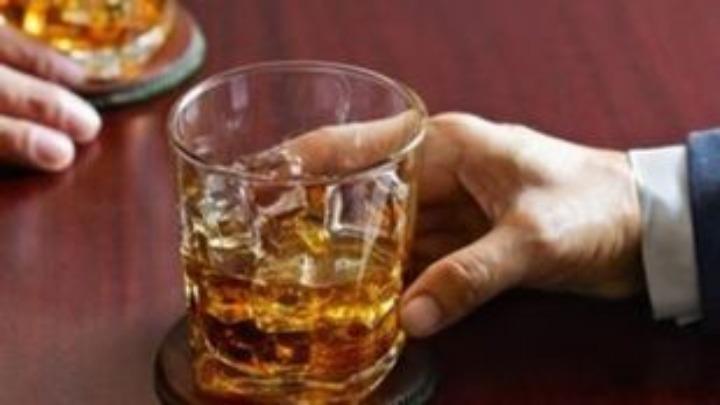 Έρευνα: Τι γίνεται στον οργανισμό όταν κόβουμε το αλκοόλ – Που γινόμαστε πιο ανθεκτικοί
