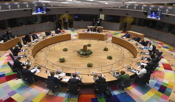 Reuters για Eurogroup: Στο τραπέζι μέτρα ύψους μισού τρισ. ευρώ