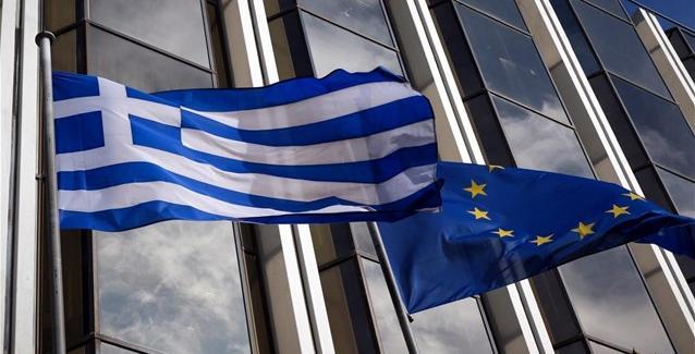 Fitch: Κάτω από το 30% τα «κόκκινα» δάνεια των ελληνικών τραπεζών το 2021