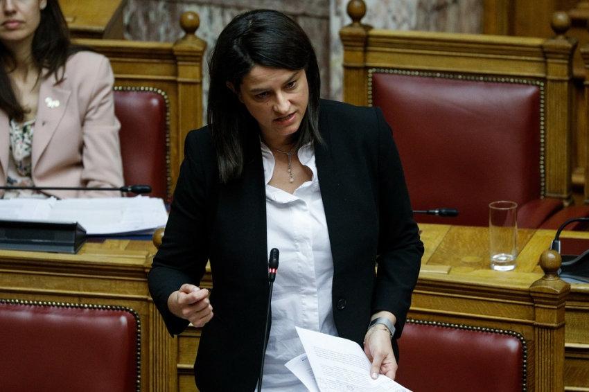 Επίθεση στο γραφείο Κεραμέως για το νομοσχέδιο – «Προχωράμε στις μεταρρυθμίσεις»