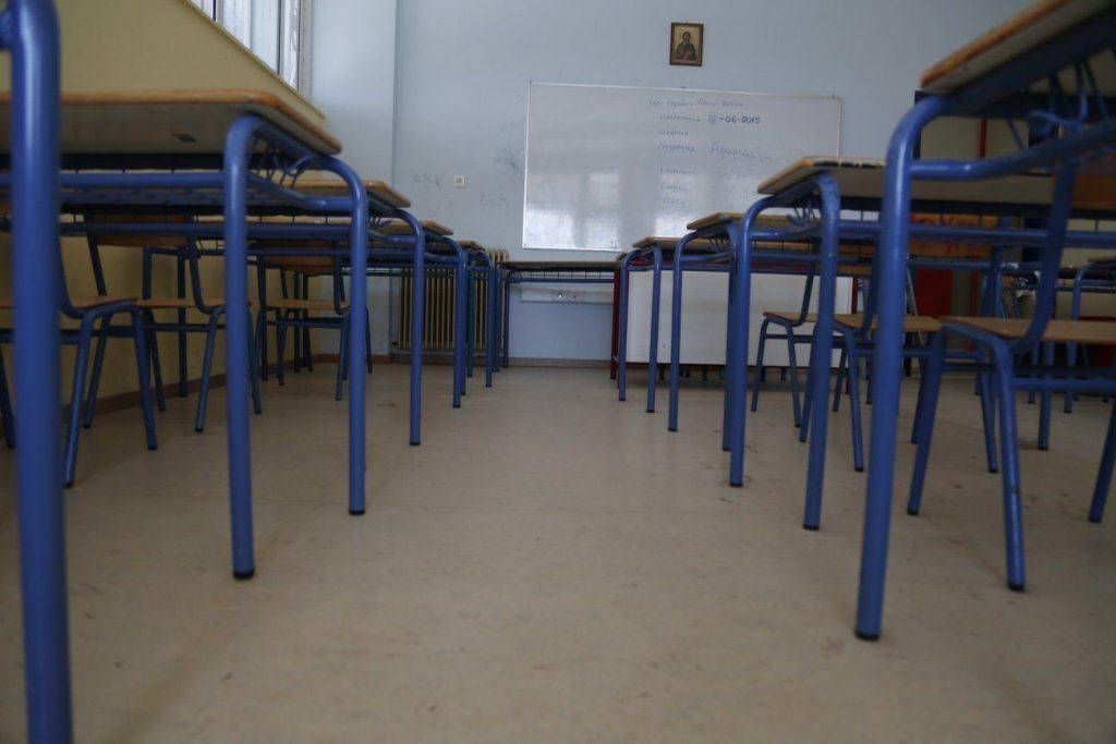 Βατόπουλος για άνοιγμα σχολείων: Θέλει μεγάλη προσοχή – Αποτελεί προτεραιότητα