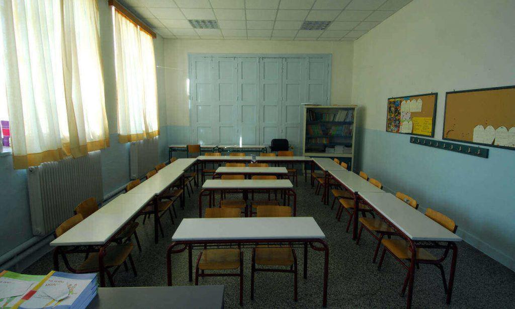 Πέτσας – Άνοιγμα σχολείων: Αυτά είναι τα σενάρια για την επιστροφή στα θρανία