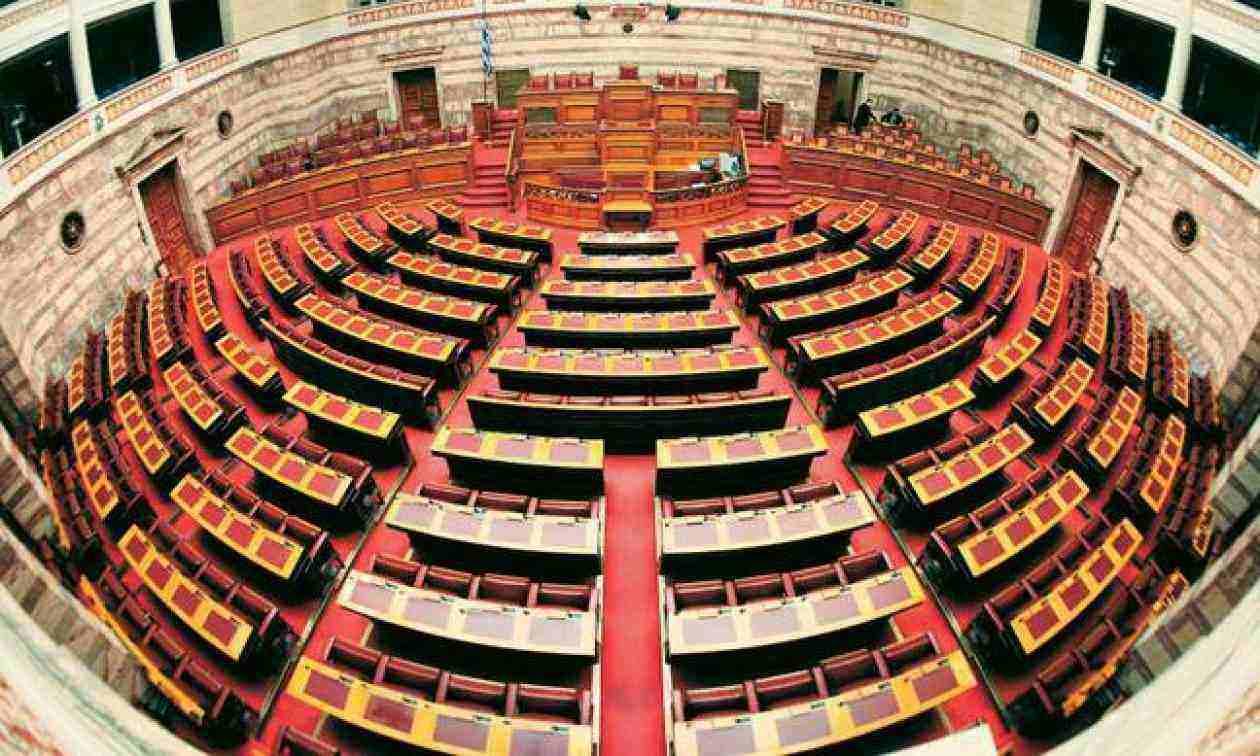 """Πανελλήνιες - Αλλαγές στα ΑΕΙ: Υπερψηφίστηκε με 166 """"ναι"""" το νομοσχέδιο για τα Πανεπιστήμια το βράδυ της Πέμπτης. Όπως αναμενόταν το νομοσχέδιο"""
