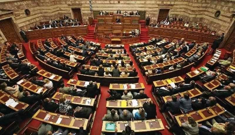 Υπουργείο Παιδείας: Στη Βουλή τροπολογία για μεταθέσεις εκπαιδευτικών, ΙΕΚ