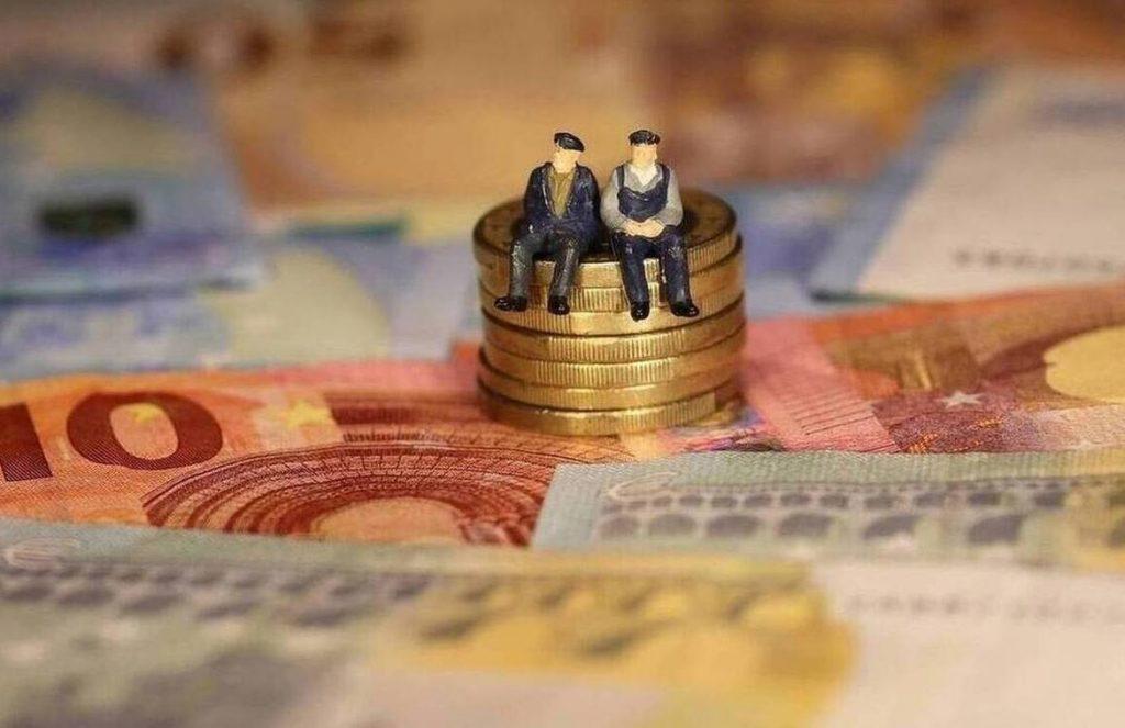 Αναδρομικά: Ποιοί θα πληρωθούν  με διαδικασίες-εξπρές μέχρι τέλη Σεπτεμβρίου – Πίνακες και παραδείγματα