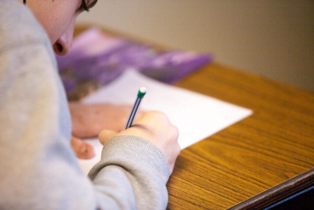 Πώς θα ανοίξουν τα σχολεία: Πότε θα εφαρμοστεί η εκ περιτροπής λειτουργία