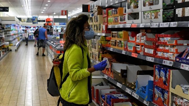 Κορονοϊός: Πού είναι υποχρεωτική η χρήση μάσκας και από ποιούς