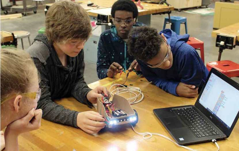 Απαιτείται Πανεπιστημιακή σχολή εκπαίδευσης εκπαιδευτών για την τεχνολογική εκπαίδευση και την μετάβαση στην ψηφιακή εποχή .