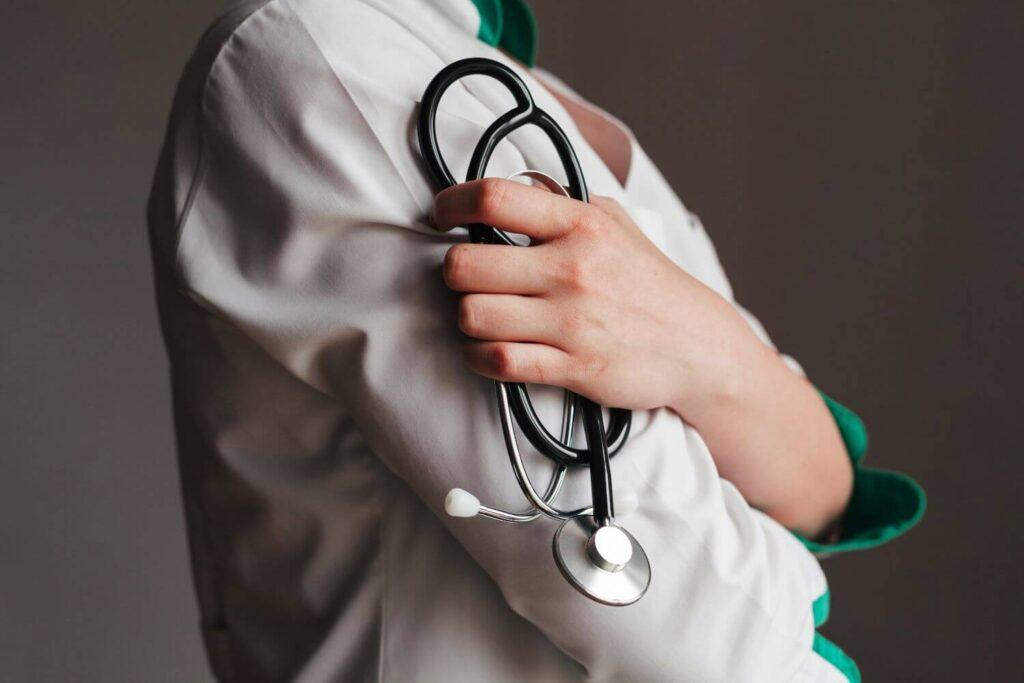 Κορονοϊός: Ωφέλιμη η καθυστέρηση χειρουργικών επεμβάσεων σε ασθενείς με covid-19