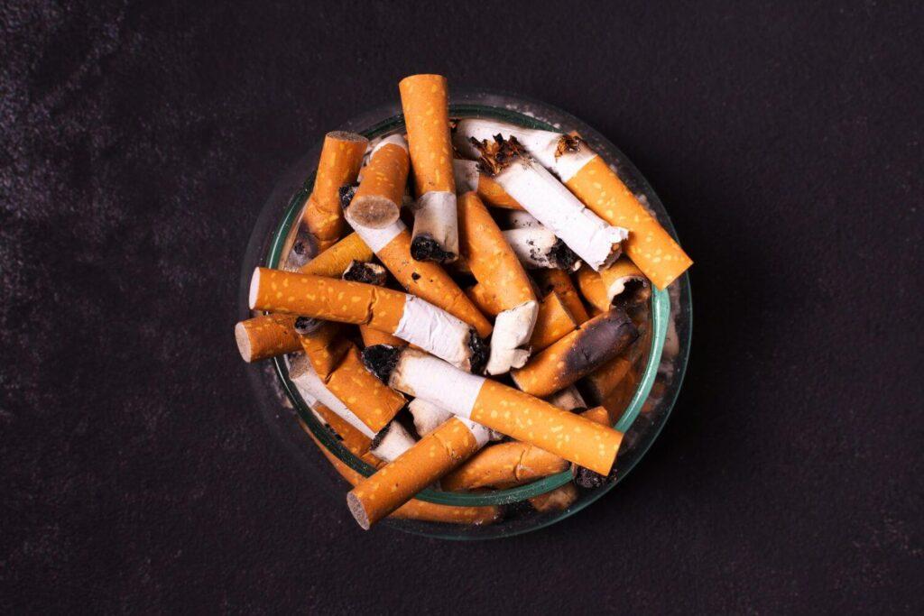 Κορονοϊός: Τι ισχύει για το κάπνισμα – Πώς επηρεάζει τα συμπτώματα
