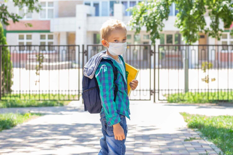 Άνοιγμα σχολείων με μάσκα, κλιμακωτή άφιξη και εθελοντικά τεστ - Όλα τα μέτρα που ισχύουν από σήμερα