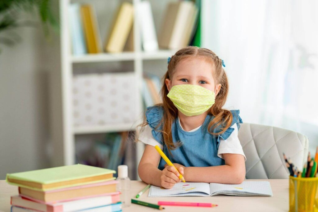 Σχολεία – Διάλειμμα μάσκας: Πότε θα μπορούν οι μαθητές να βγάζουν τη μάσκα