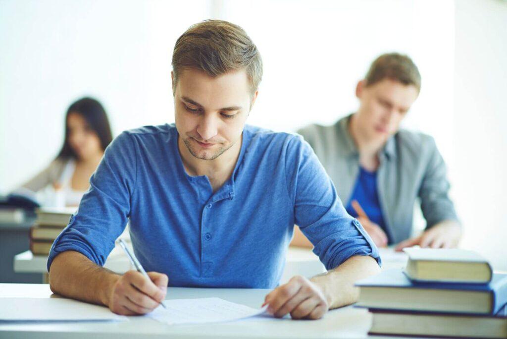 Πανελλήνιες: Ποιοί απόφοιτοι έχουν καλύτερες προοπτικές εργασίας