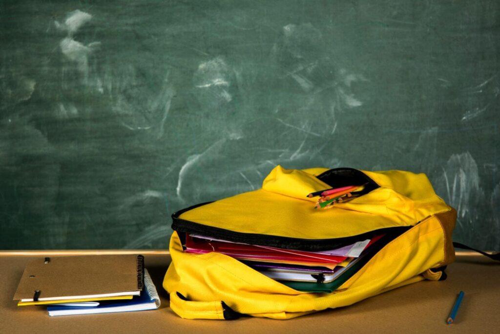 Τι θα γίνει με τις προαγωγικές εξετάσεις, πότε ανοίγουν τα σχολεία (ημερομηνία)