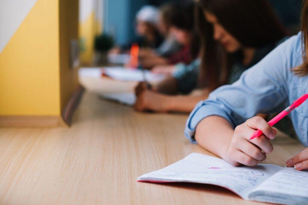 ΚΙΝΑΛ: Έναν χρόνο μετά τα αυτονόητα μέτρα απουσιάζουν για τη στήριξη των σχολείων