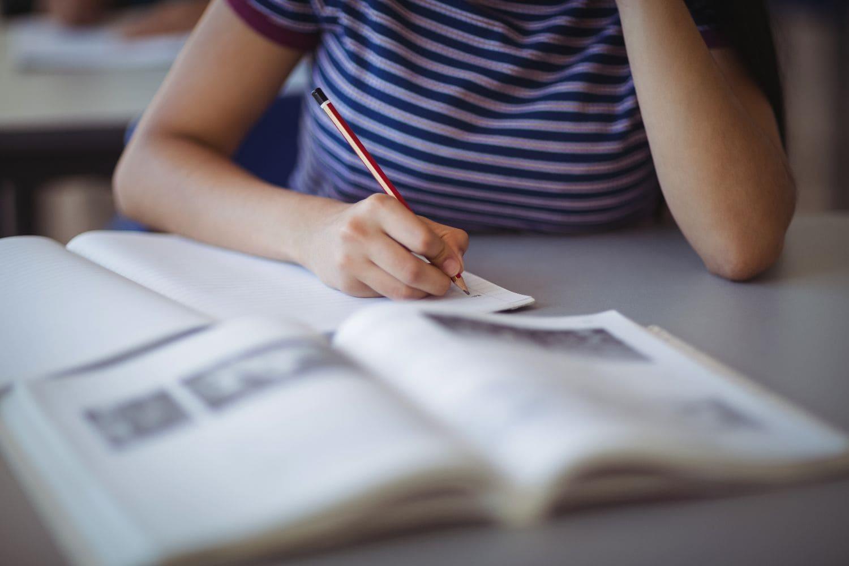 Άνοιγμα σχολείων: «Να ανοίξουν τα σχολεία με ανοιχτούς χώρους και αποστάσεις»