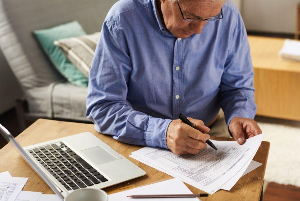 Συντάξεις: Χρήσιμος οδηγός για όσους θέλουν να συνταξιοδοτηθούν πρόωρα